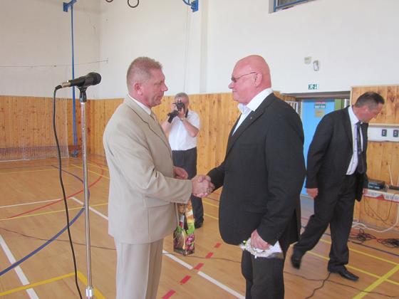 be139537d Starosta obce Dolný Ohaj s predsedom MS, Ing. Mariánom Tkáčom PhD., bývalým  ministrom školstva